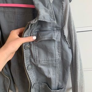 GREY FREE PEOPLE JACKET W/HOOD